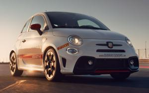 Abarth 595 Competizione Dubai Autodrome Official Vehicle 2019 года