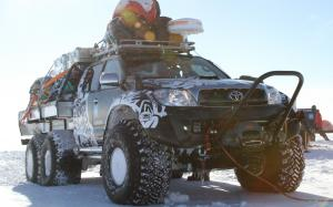 Arctic Trucks Toyota Hilux AT44 South Pole Expedition 6x6 2010 года