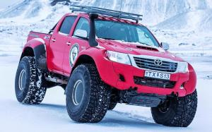 Arctic Trucks Toyota Hilux AT44 Antarctica E7 Expedition 2013 года