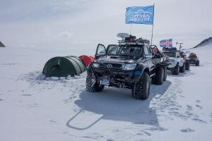 Arctic Trucks Toyota Hilux AT44 South Pole Expedition 6x6 2013 года
