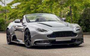 Aston Martin Vantage GT12 Roadster by Q 2016 года