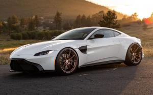 Aston Martin Vantage on HRE Wheels (P104SC)