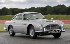 Aston Martin DB5 Goldfinger Continuation 2020 года