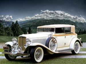 1933 Auburn 12-161A Custom Dual Ratio Convertible Sedan