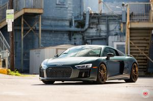 2016 Audi R8 V10 on Vossen Wheels (HC-1)