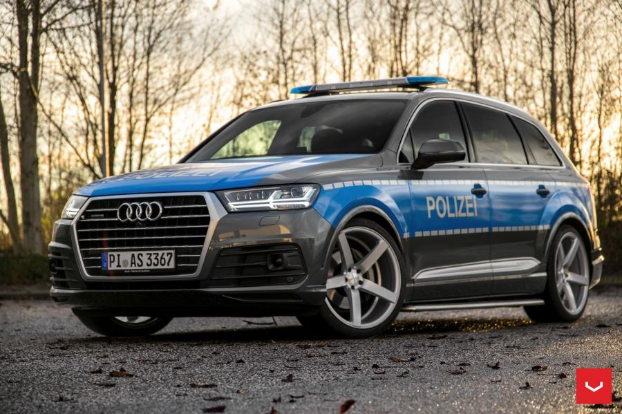 Audi Q7 Police on Vossen Wheels (CV3R)