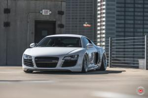 Audi R8 on Vossen Wheels (LC-105T) 2017 года