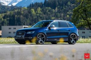 Audi SQ5 on Vossen Wheels (CV3R)