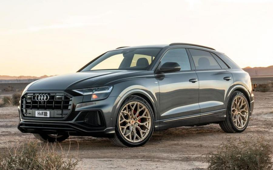 Audi Q8 55 TFSI Quattro S-Line on Vossen Wheels (S17-01)