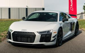 Audi R8 V10 plus Coupe Competition Package 2018 года (NA)