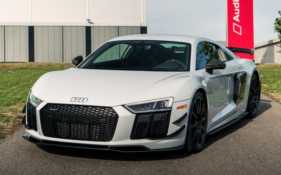 2018 Audi R8 V10 plus Coupe Competition Package (NA)