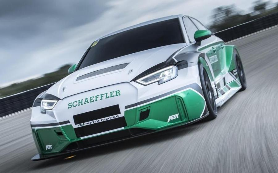 Audi RS3 Sportback 4ePerformance by Schaeffler