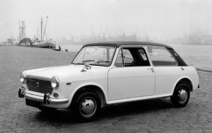 Austin Glider 2-Door Saloon