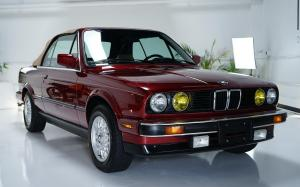 BMW 325i Convertible (Calypso Red) 1990 года