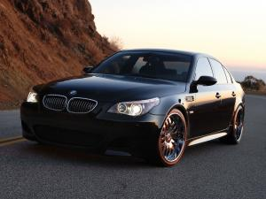 2007 BMW M5 by Currency Motors