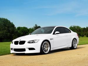 2011 BMW M3 White by IND Distribution