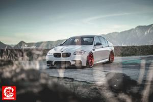 2015 BMW M5 by R1 Motorsport on ADV.1 Wheels (ADV10TSSL)