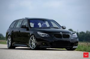 2016 BMW 5-Series Touring on Vossen Wheels (CV7)