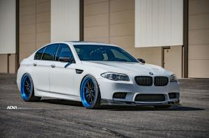 BMW M5 Alpine White on ADV.1 Wheels (ADV10 TRACK) 2016 года