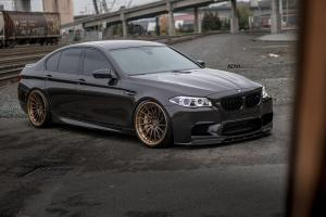 2016 BMW M5 on ADV.1 Wheels (ADV15R TS CS)