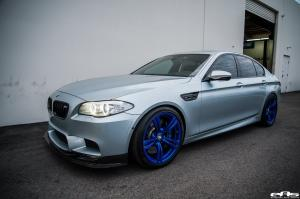 BMW M5 on Candy-Blue Wheels by EAS 2016 года