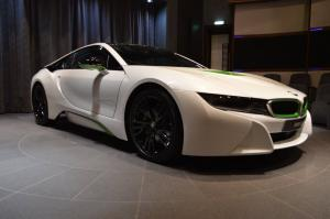 BMW i8 Fabulous White with Java Green Accents by Abu Dhabi Motors 2016 года