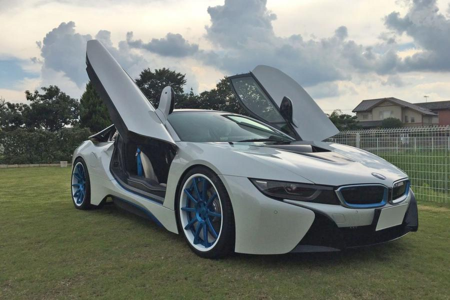 BMW i8 on Forgiato Wheels (S206)