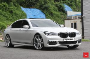 BMW 740Li xDrive on Vossen Wheels (CV7)