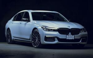 BMW 740e iPerformance M Performance Accessories 2017 года (NA)