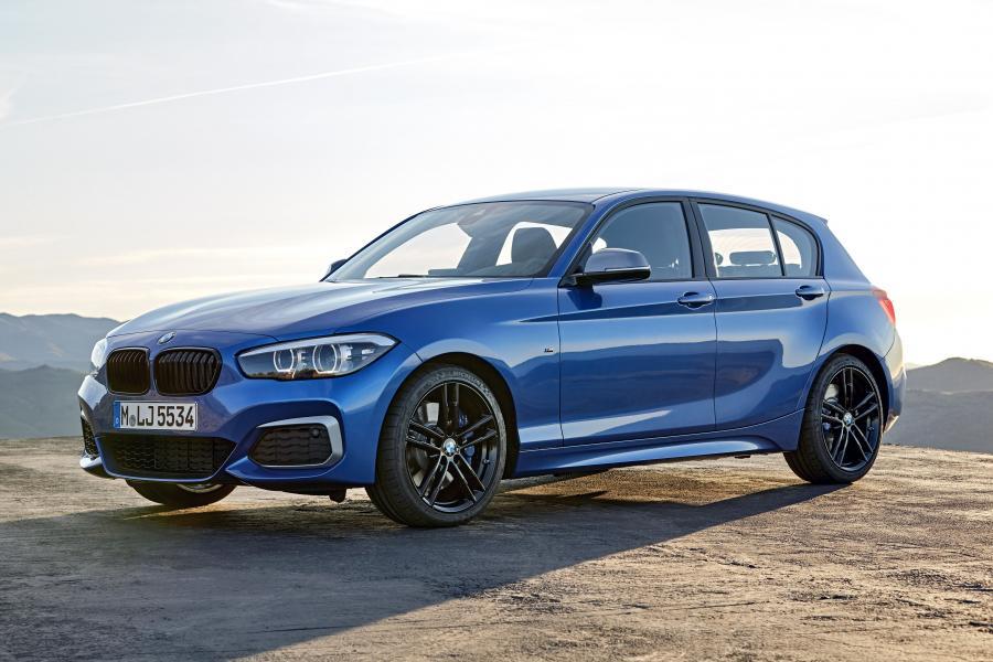 BMW M140i xDrive Edition Shadow 5-Door в кузове F20 2017 года выпуска для рынка Всего мира и стран с правосторонним движением. Фото 1. VERcity