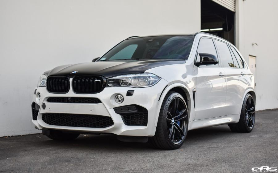 BMW X5 M Mineral White by iND and EAS