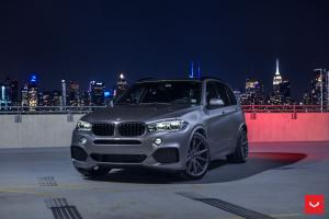 BMW X5 xDrive30d on Vossen Wheels (VFS1)