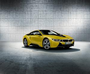 BMW i8 Frozen Yellow Edition 2017 года