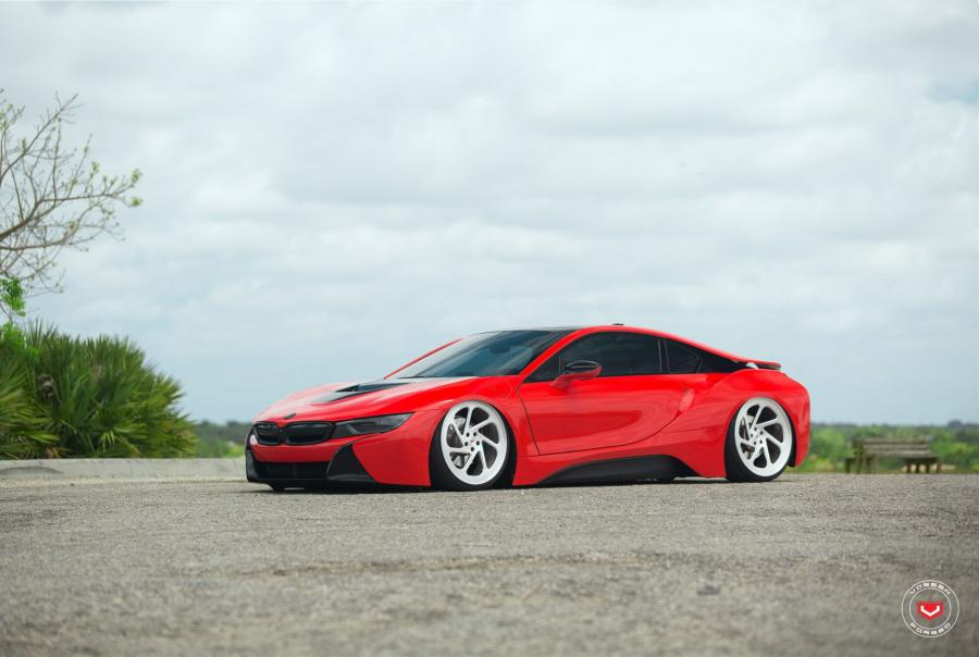 BMW i8 on Vossen Wheels (LC-108T)