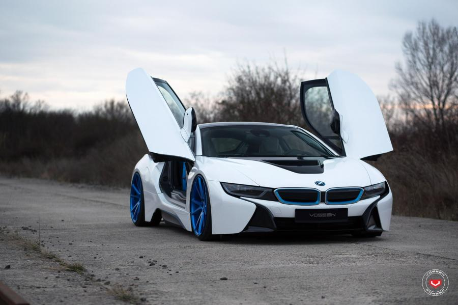 BMW i8 on Vossen Wheels (VPS-301)