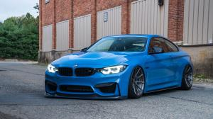 BMW M4 Coupe Yas Marina Blue on ADV.1 Wheels (ADV10 M.V2 CS) (F82) 2018 года