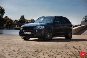 BMW X5 M Performance Parts on Vossen Wheels (VFS-2) 2018 года