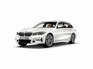 BMW 320d Touring Luxury Line 2019 года