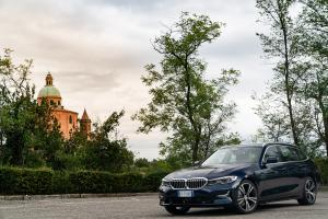 BMW 320d xDrive Touring Sport Line 2019 года