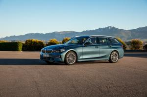 2019 BMW 330d xDrive Touring Luxury Line