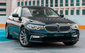 BMW 520i Sedan Luxury Line