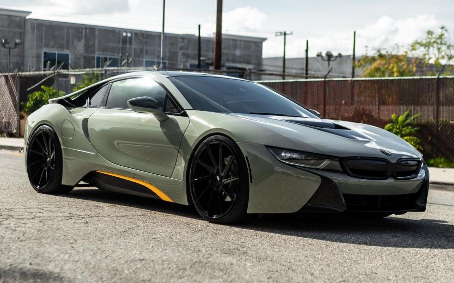 2019 BMW i8 by Impressive Wrap
