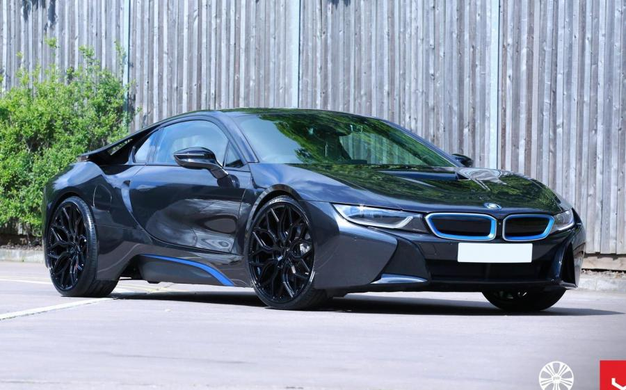 2019 BMW i8 on Vossen Wheels (HF-2)