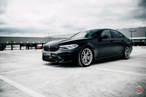 2020 BMW M5 on Vossen Wheels (M-X3)