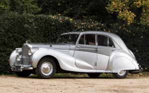 Bentley Mark VI Saloon by Vanden Plas 1946 года