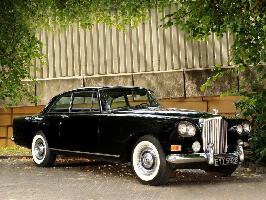 Bentley S3 Continental Coupe by Mulliner Park Ward '1964