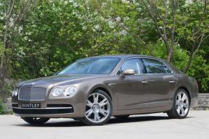 Bentley Flying Spur 2014 года