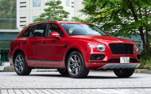 2018 Bentley Bentayga V8 (JP)