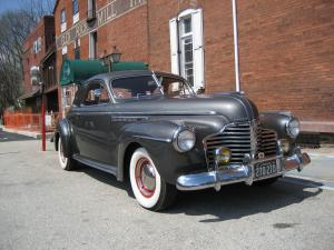 1941 Buick Roadmaster Series 70 Model 76S Sport Coupe