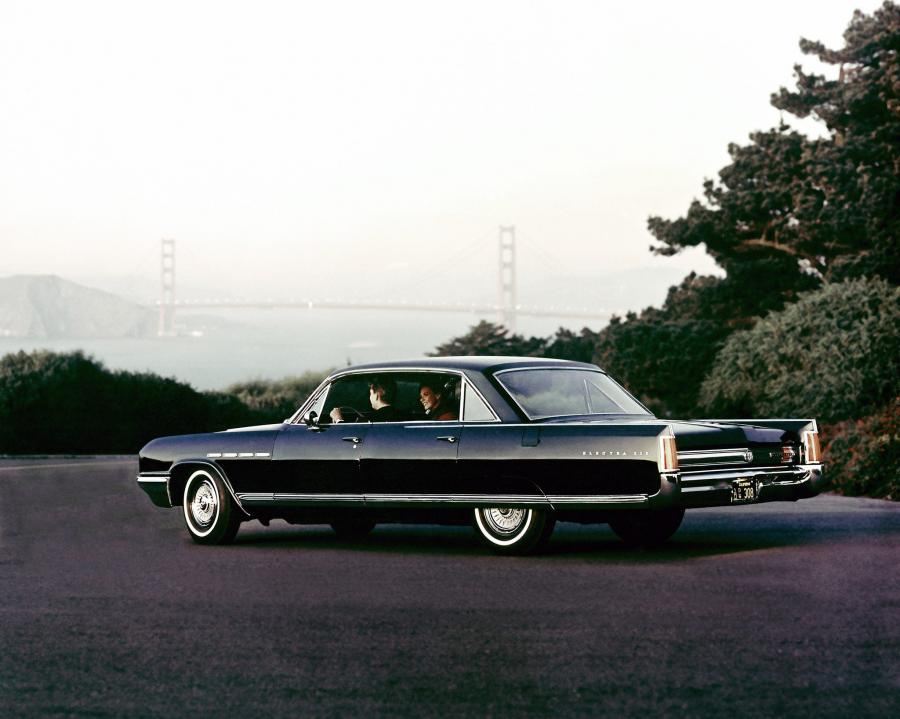1964 Buick Electra 225 4-Door Pillarless Sedan